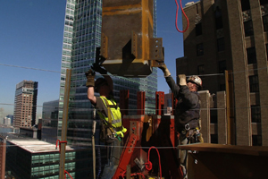 Engineering An Icon: Designing And Building The New World Trade Center
