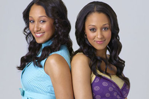Tamera Mowry (left) and Tia Mowry