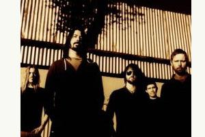 Foo Fighters_photo by Steve Gullick