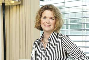 Elizabeth McIntyre DNI