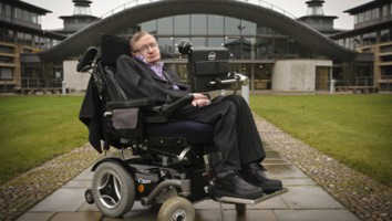 Portrait of Stephen Hawking outside the Department of Applied Mathematics and Theoretical Physics, Cambridge. (Credit: Jason Bye)