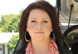 Christie Hatman, auctioneer and host of HGTV's new original series Auction Agent (Courtesy: DIY Network)