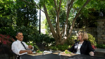 President Barack Obama (left) and Hillary Rodham Clinton. Official White House Photo by Chuck Kennedy