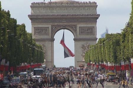 Pernel Media Champs Elysees