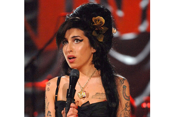 Winehouse at the 2008 Grammy Awards.