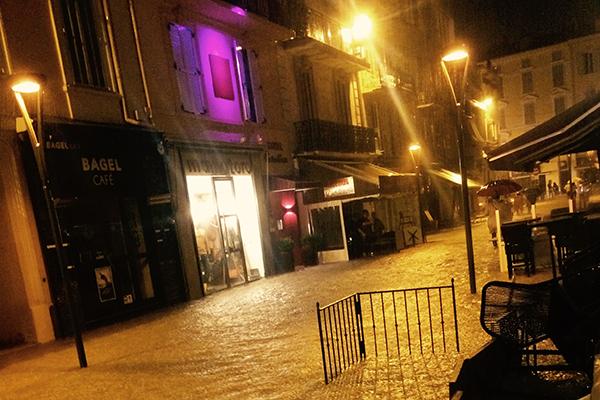 Photo flooding