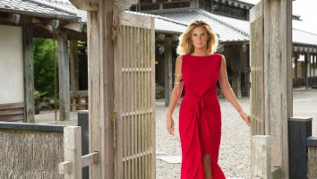 Rachel Hunter's Tour of Beauty (1)