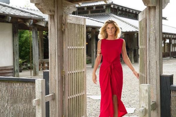 Rachel Hunter's Tour of Beauty (1)