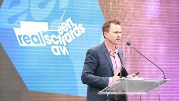 Realscreen Awards_Phil Keoghan