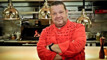 Kitchen Nightmares Spain_Alberto Chicote   Optomen  all3media International