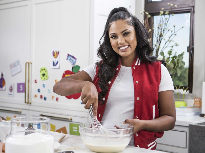 ayesha-curry-in-the-kitchen-2-HR