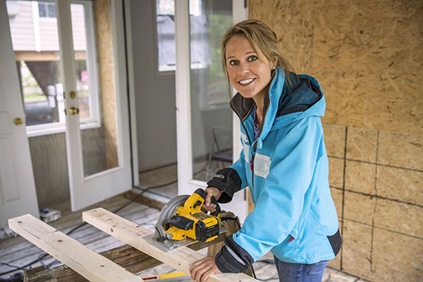 Marnie Oursler_Big Beach Builds_ HGTV_v1