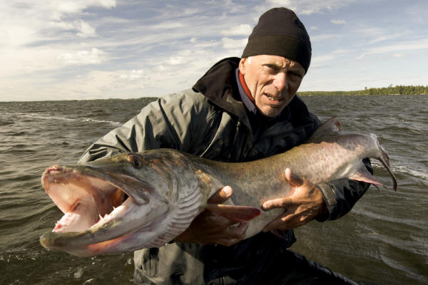 river-monsters-704-10