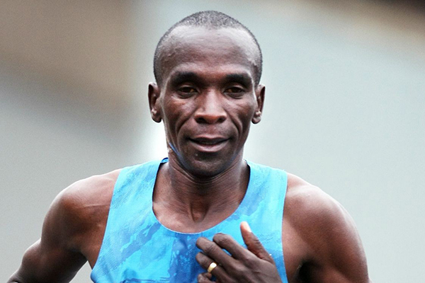 Eliud-Kipchoge-London-Marathon-2015-1250x750