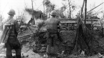 Marines_in_DaiDo_Vietnam_during_Tet_Offensive_1968