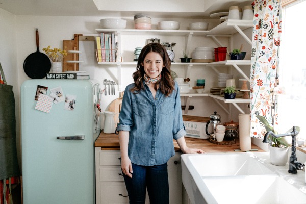 Molly Yeh on Girl Meets Farm (1)