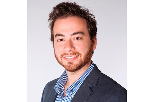 Headshot of Andrew Schechter