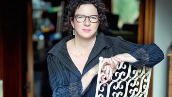 Lauren Lexton