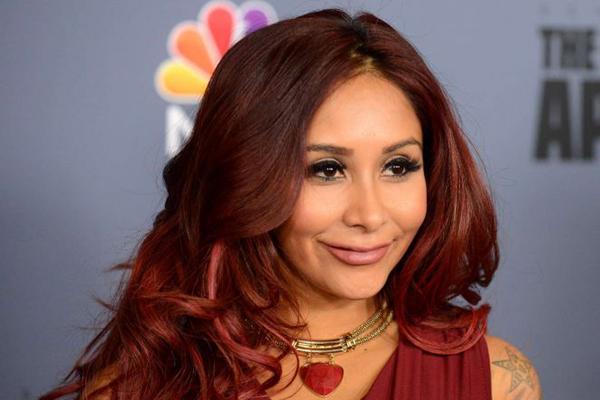 Nicole-Snooki-Polizzi-The-New-Celebrity-Apprentice-Press-Conference-06-662x571