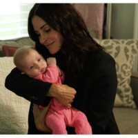 """Exclusive clip: Facebook Watch's """"9 Months with Courtney Cox"""