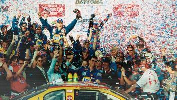 Michael Waltrip and team in Daytona_500 Victory Circle