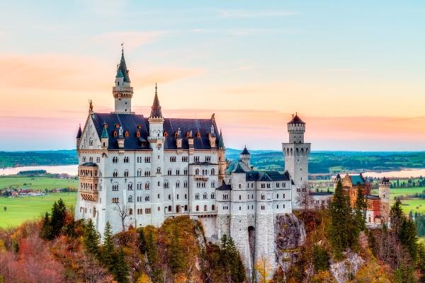World's Greatest Palaces