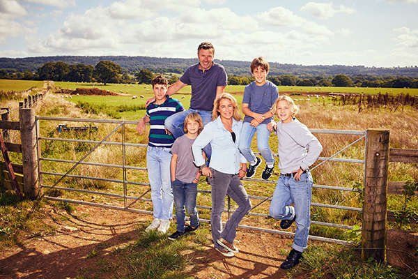 Realscreen Archive Outline Productions Films Sarah Beeny S New Life In The Country For Channel 4