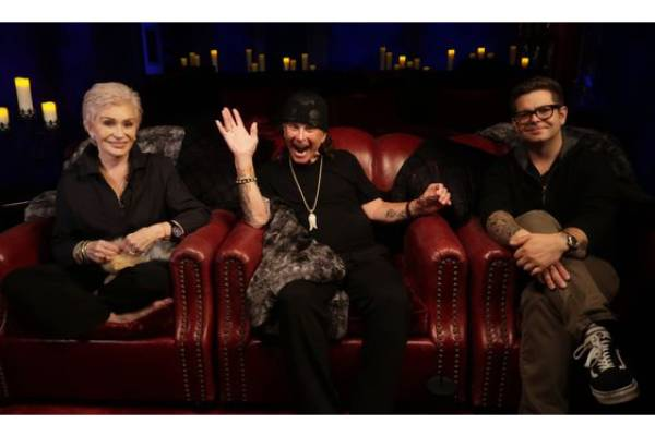 The_Osbournes_Want_to_Believe_group_r