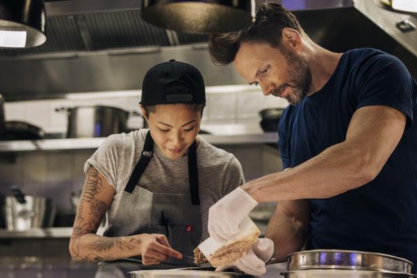 Fast Foodies Kristen Kish and Joel McHale Photo Credit_ Ana Maria Lopez_trutv