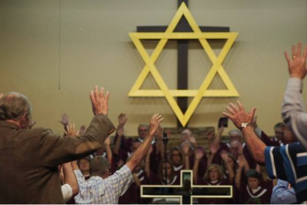01_Star of David Hands0 (1)
