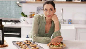8823076-mary-cookies-sandwich-2500x1405