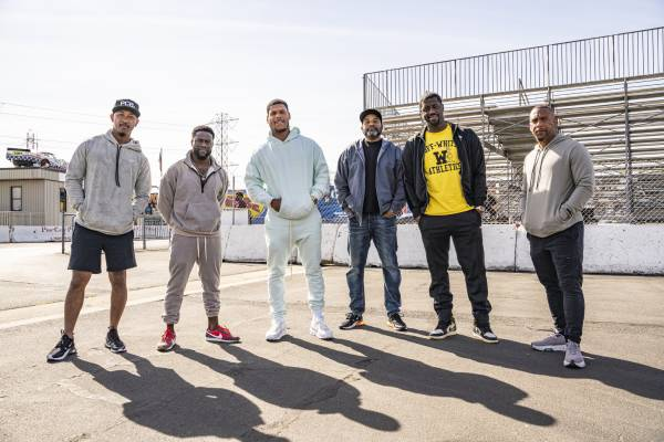 Kevin Hart and The Plastic Cup Boyz (1)