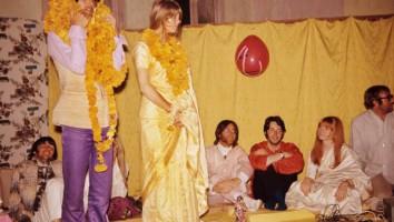 George & Patti with garlands - CREDIT - Colin Harrison - Avico. (1)